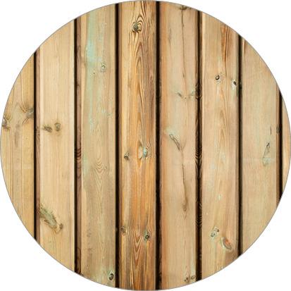 kleurverschil geïmpregneerd grenenhout