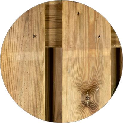 latstreep geïmpregneerd hout